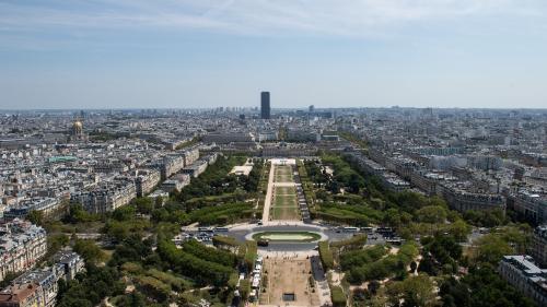 """DIRECT. Blocages des """"gilets jaunes"""" : le Champ-de-Mars """"pourra accueillir les manifestants"""" samedi à Paris, annonce Castaner"""