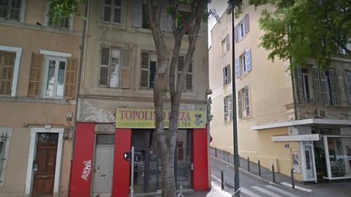 """""""On est complètement abandonnés"""" : à Marseille, """"l'insupportable"""" attente des habitants évacués en urgence"""
