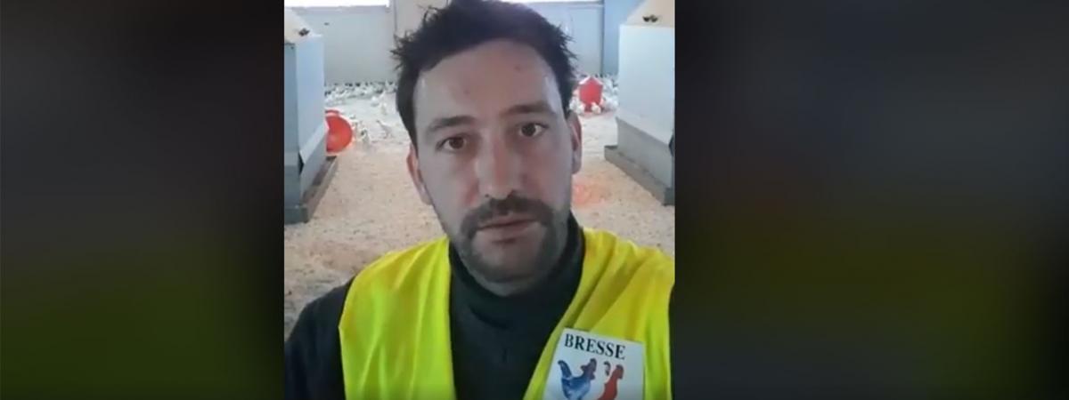 VIDEO. «Vous ne méritez pas de manger mes volailles» : un éleveur qui fournit l'Elysée revêt un gilet jaune pour interpeller Emmanuel Macron