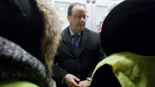 """""""Macron doit répondre devant le pays"""" : Hollande appelle les """"gilets jaunes"""" à """"continuer à prendre la parole"""""""