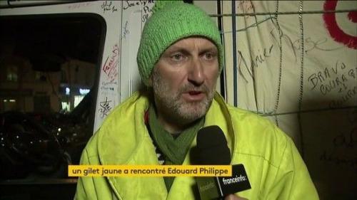 """VIDEO. """"Il m'a écouté avec son cœur"""" : le """"gilet jaune"""" en grève de la faim raconte sa rencontre avec le Premier ministre"""