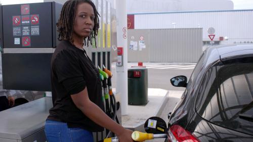 """""""Gilets jaunes"""" : plus d'un million de signataires pour la pétition contre la hausse des prix du carburant"""