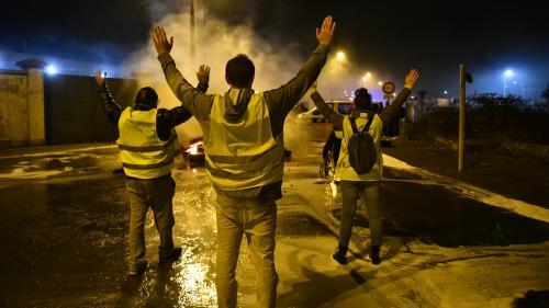 """DIRECT. """"Gilets jaunes"""" : des porte-parole reçus à Matignon vendredi, Emmanuel Macron refuse tout """"recul"""""""