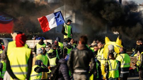 """Baisse des taxes, référendum populaire, zéro SDF... On a décortiqué les 42 revendications des """"gilets jaunes"""""""