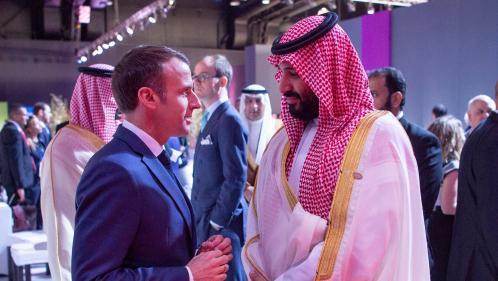 """""""Je suis inquiet"""" : le bref aparté d'Emmanuel Macron avec le prince saoudien en marge du G20"""
