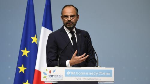 """En plein mouvement des """"gilets jaunes"""", la cote de confiance d'Edouard Philippe en forte baisse"""