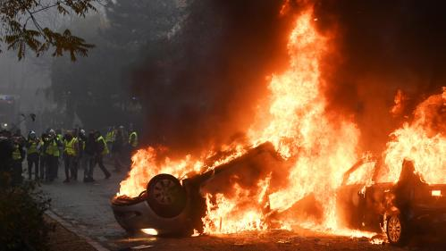 "DIRECT. ""Gilets jaunes"" : 205 interpellations après les violences à Paris, scènes de chaos dans la capitale"