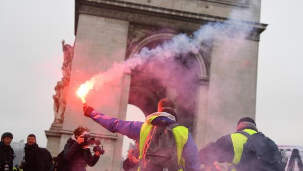 """""""Gilets jaunes"""" : des lycéens dans le mouvement"""