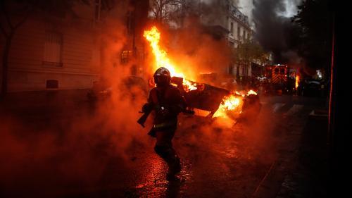 """RECIT. """"Ça sent la révolution"""" : de l'Arc de triomphe à la rue de Rivoli, comment la manifestation des """"gilets jaunes"""" a embrasé Paris"""