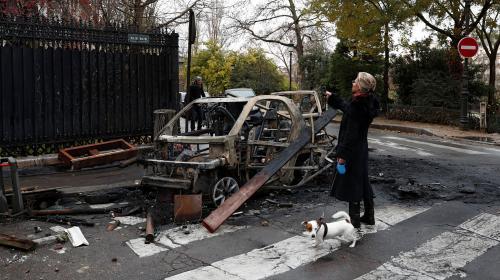 """EN IMAGES. """"Gilets jaunes"""" : découvrez l'ampleur des dégâts à Paris, au lendemain des violences"""