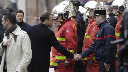 """DIRECT. """"Gilets jaunes"""" : Emmanuel Macron constate les dégâts à proximité de la place de l'Etoile, principal théâtre des violences de samedi"""