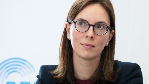 """""""Gilets jaunes"""" : l'évaluation de l'impôt qui remplace l'ISF sera lancée """"dans les jours ou les semaines qui viennent"""" annonce Amélie de Montchalin"""
