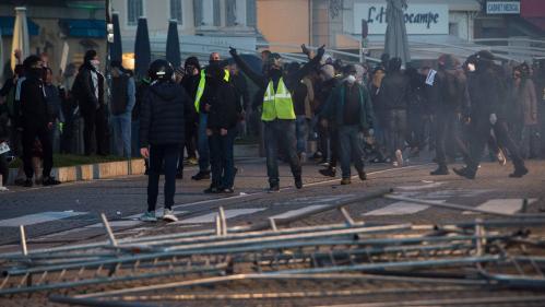 """""""Gilets jaunes"""" : une octogénaire est morte après avoir été blessée par une grenade lacrymogène en marge des incidents à Marseille"""