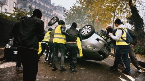 """""""Gilets jaunes"""", anarchistes, militants d'extrême droite... Qui sont les casseurs à l'origine des violences samedi à Paris ?"""