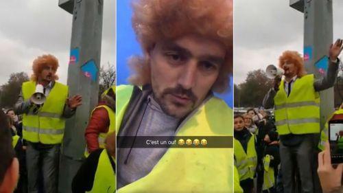 """VIDÉOS. """"Gilets jaunes"""" : un faux Jeff Tuche s'improvise porte-parole à Douai"""