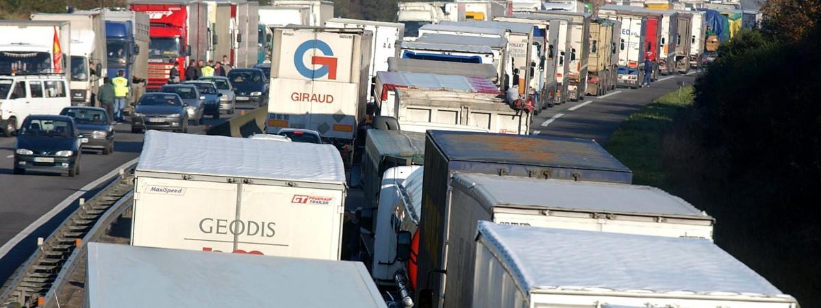 Transport routier : CGT et FO appellent à la grève illimitée à partir de dimanche soir 16598967