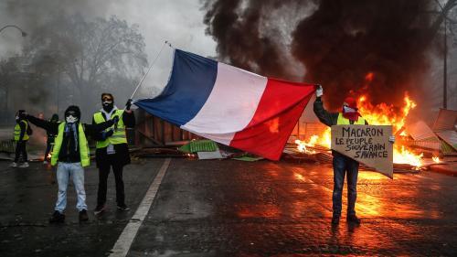 """DIRECT. """"Gilets jaunes"""" : le match de foot PSG-Montpellier, prévu samedi à Paris, est reporté à la demande de la préfecture de police"""