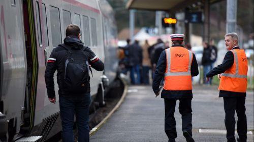 """Le syndicat SUD-Rail appelle à laisser les """"gilets jaunes"""" voyager gratuitement dans les trains samedi"""