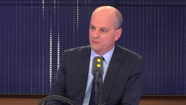 """Moratoire sur les taxes, blocages de lycées, étudiants étrangers : Jean-Michel Blanquer, invité du """"8h30 Fauvelle-Dély"""""""
