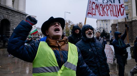 Des Bulgares manifestent contre la hausse du prix des carburants, le 18 novembre 2018, à Sofia (Bulgarie).