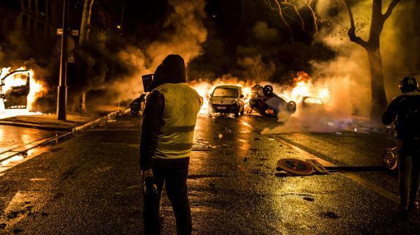 """Violences, dégradations... Peut-on parler d'une """"radicalisation"""" du mouvement des """"gilets jaunes""""?"""