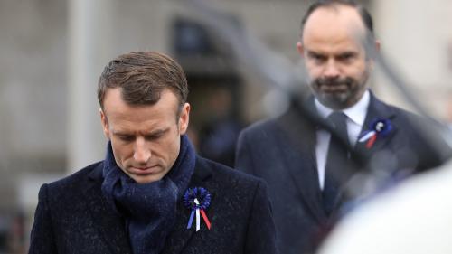 """En pleine crise des """"gilets jaunes"""", les cotes de popularité d'Emmanuel Macron et d'Edouard Philippe en chute libre"""