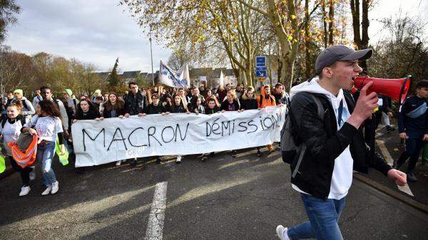 """""""Ce gouvernement a créé une colère que plus personne ne peut contrôler"""" : les syndicats lycéens appellent à de nouveaux blocages"""