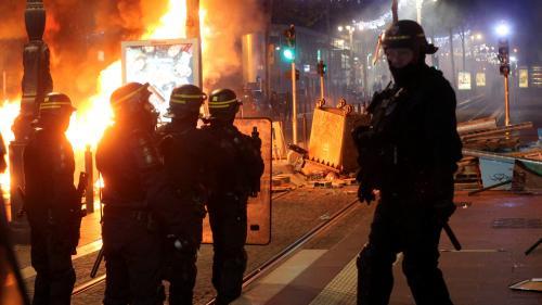 """""""Gilets jaunes"""" : les policiers craignent des violences urbaines """"totalement inédites par leur ampleur"""", affirme un syndicat"""