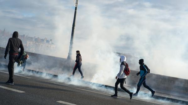 DIRECT. Lycées : nouvelle journée de blocages après les 700 interpellations de jeudi