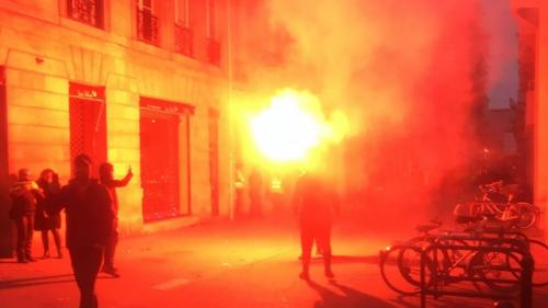 """Gilets jaunes"" : situation sous tension à Bordeaux"