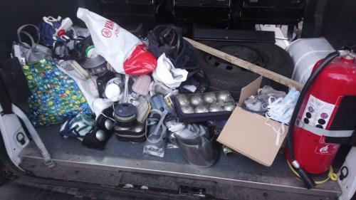 """""""Gilets jaunes"""" : masques à gaz, boules de pétanque, extincteur... La police diffuse les photos des objets saisis lors de contrôles"""