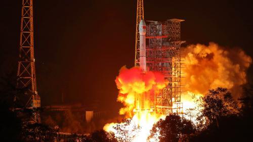Espace : la Chine lance un module d'exploration pour étudier la face cachée de la lune, une première