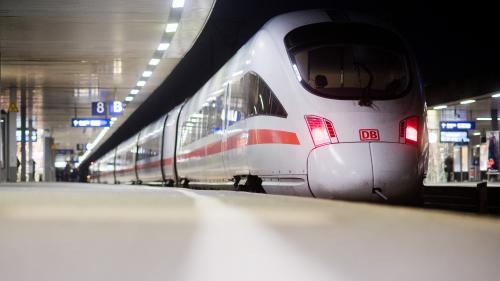 Eurozapping : un tunnel polémique en Allemagne ; le ras-le-bol du personnel soignant en Espagne