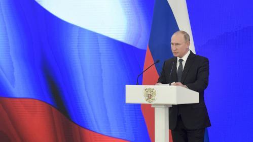 """""""Gilets jaunes"""" : le Kremlin dément toute ingérence de la Russie sur les réseaux sociaux"""