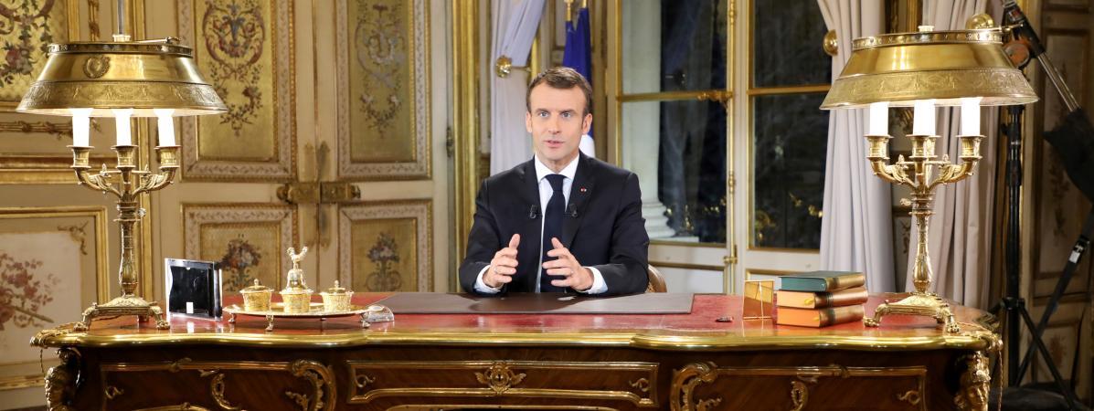 """""""Une forme de défaite symbolique pour Macron"""" : une communicante décrypte l'allocution du président"""