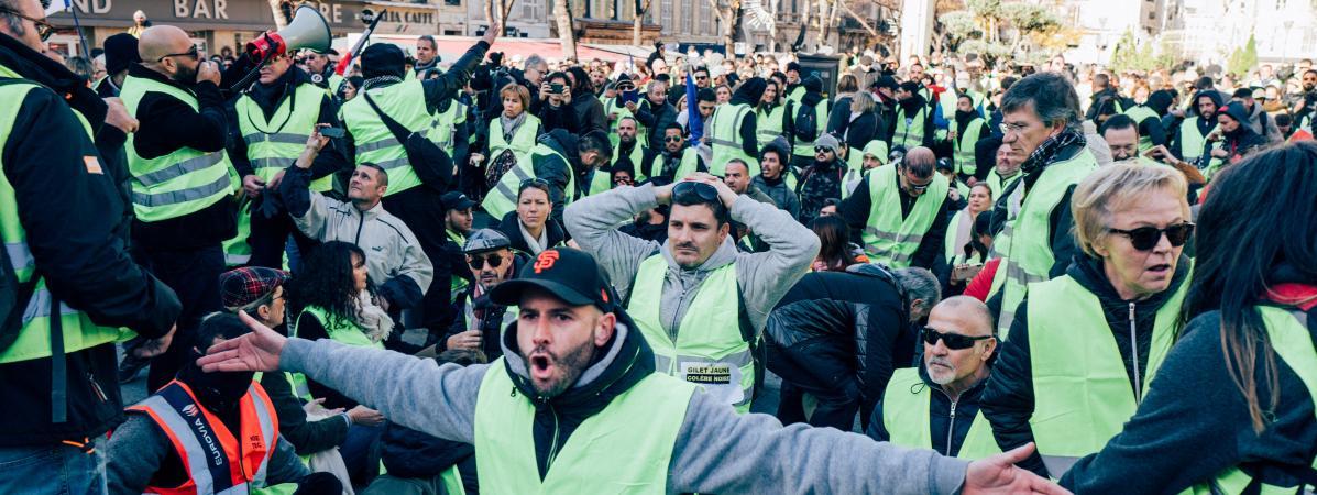 """Manifestation de \""""gilets jaunes\"""" à Marseille, le 8 décembre 2018."""