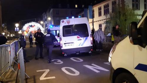 """Attentat à Strasbourg: """"Ça faisait 'ta-ta-ta-ta-ta-ta', tout le monde courait"""""""