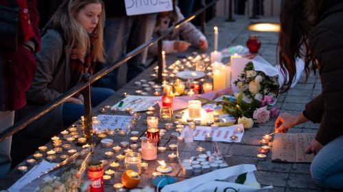 """VIDEO. """"Il était allongé et sa femme était en train de pleurer"""" : des témoins de l'attentat de Strasbourg racontent"""