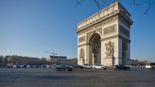 """Arc de Triomphe : après les """"gilets jaunes"""", le monument rouvre ses portes"""