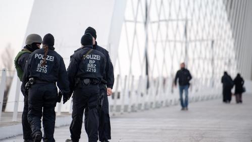 Attentat de Strasbourg: trois raisons pour lesquelles les enquêteurs s'activent en Allemagne   https://www.francetvinfo.fr/faits-divers/terrorisme/fusillade-a-strasbourg/attentat-de-strasbourg-trois-raisons-pour-lesquelles-les-enqueteurs-s-activent-
