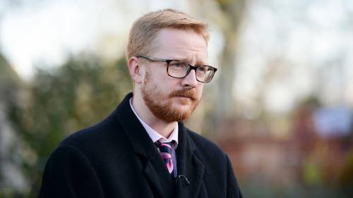 VIDEO. Un député provoque un mini-scandale en pleine séance du Parlement britannique en saisissant... un sceptre