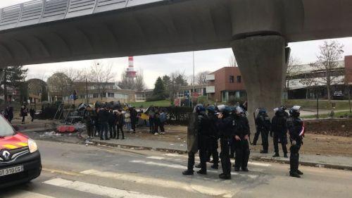 Blocages de lycées à Rennes : trois pompiers agressés