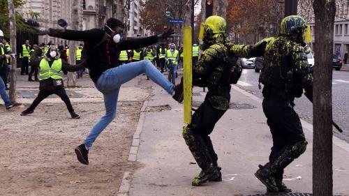 """""""Gilets jaunes"""" : inquiétude avant l'acte V samedi 15 décembre"""