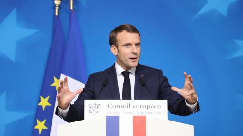 """""""Gilets jaunes"""" : la France a """"besoin de calme, d'ordre et de retrouver un fonctionnement normal"""", estime Macron"""