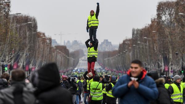 """Manifestation à Paris : un """"acte 5"""" plus calme dans la capitale"""