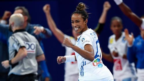 DIRECT. Euro féminin de handball : les Françaises en tête d'un cheveu à la mi-temps face à la Russie (13-12)