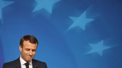La cote de popularité d'Emmanuel Macron tombe à 23% en décembre, selon un sondage
