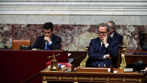 """Promesses de Macron aux """"Gilets jaunes"""" : """"il n'y aura pas de carabistouille"""", assure Richard Ferrand"""