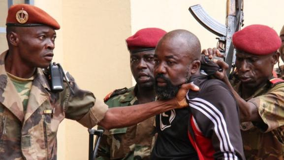 Arrestation de l'ex-milicien «Rambo» par des militaires centrafricains, à Bangui, le 29octobre 2018.