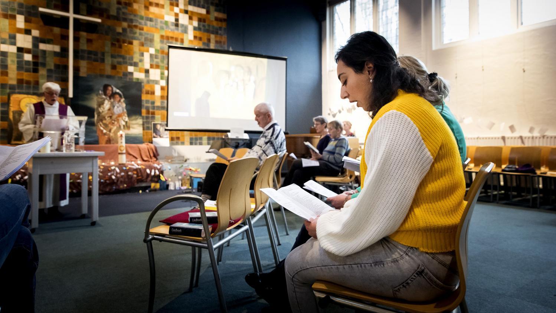 Aux pays bas des pasteurs tiennent un office religieux depuis pr s de trois mois pour emp cher - Horaires des offices religieux ...